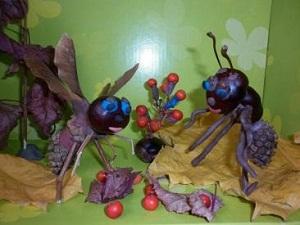 Поделка стрекоза и муравей из природного материала